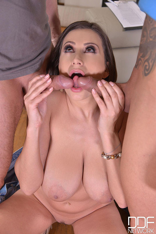 Sensual Jane Big Tit Brunette Interracial Blowjob Xnxx 1