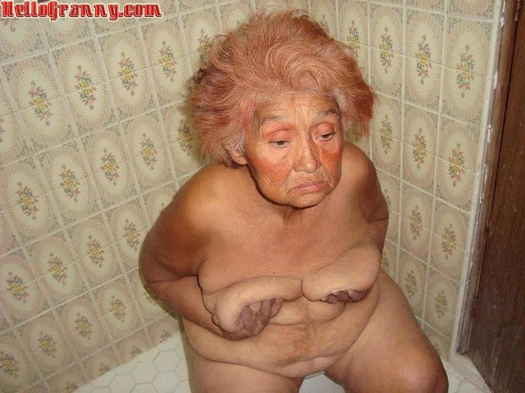 busty heart naked