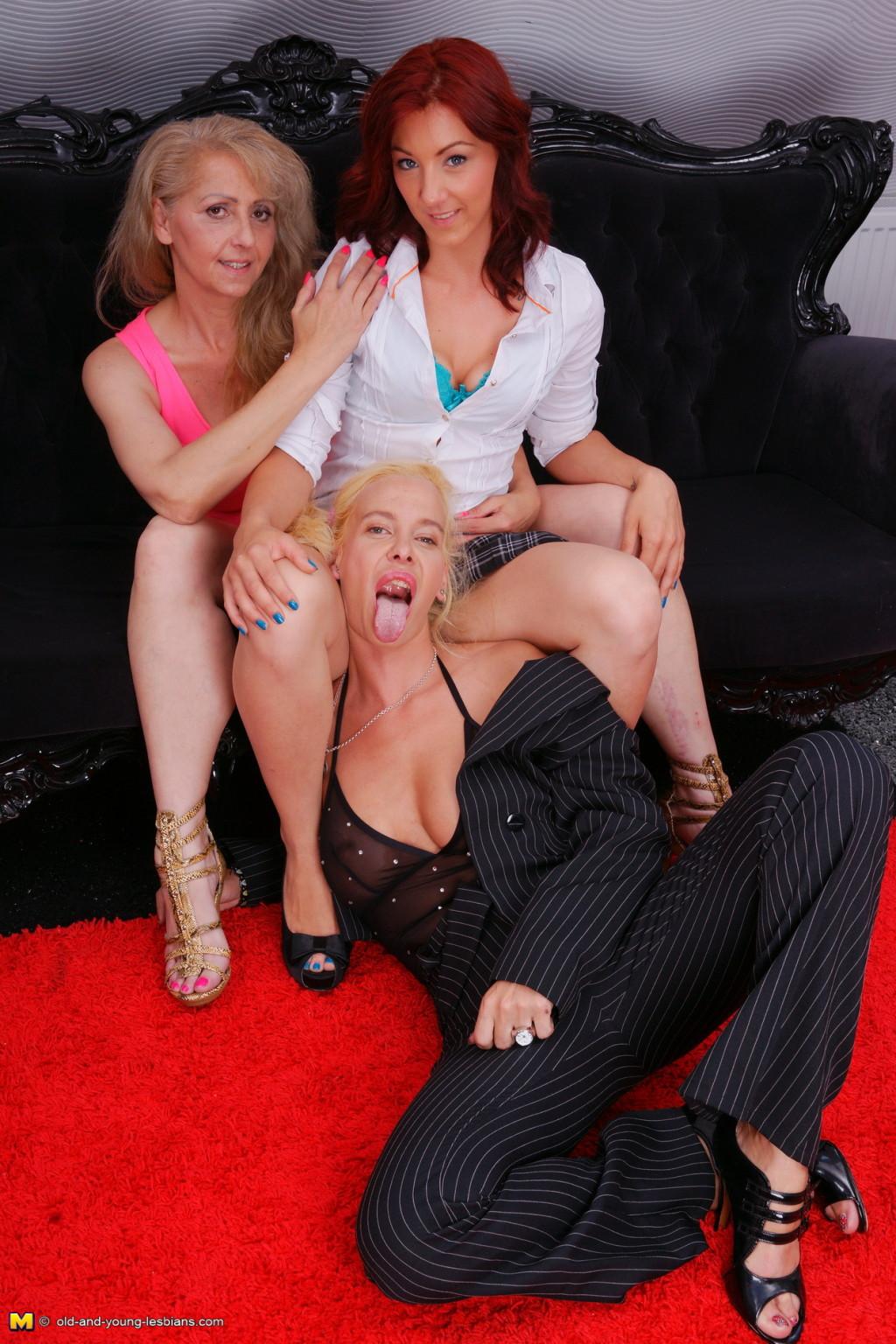 Lesbian Threesome Anal Strap