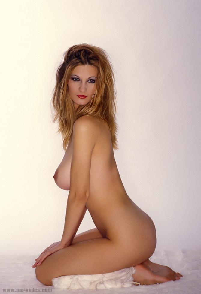 Vanessa Nude Pics