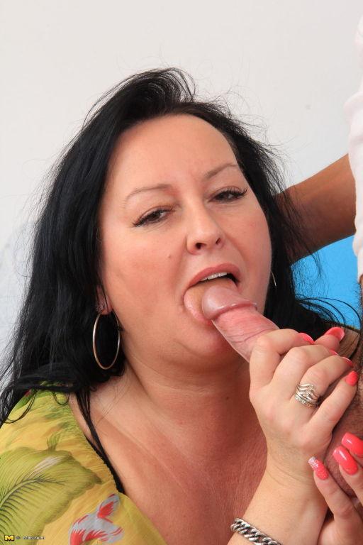 Free porn chubby blowjob pics pichunter
