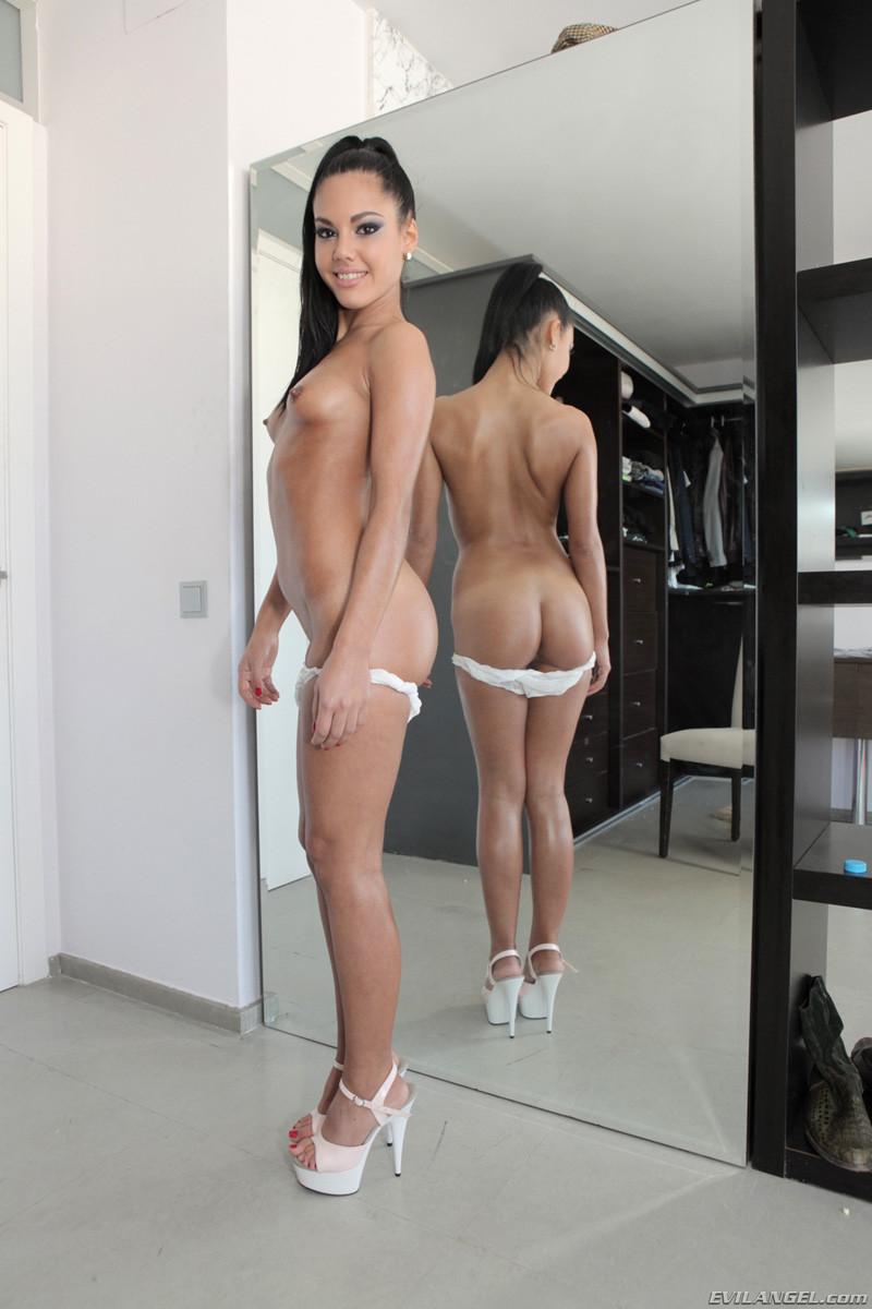 Apolonia Piedra Porno apolonia la piedra nude pussy - xxx video