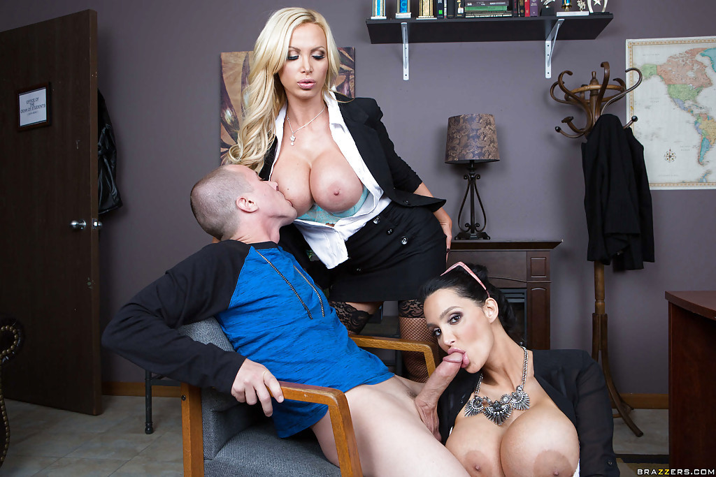 Nikki Benz Facial Cumshot