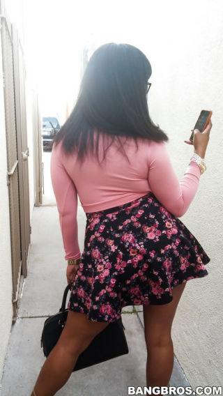 Porcha Carrera    Porche Carrera    BangBros Network    Beautiful    Latina    Nice Ass    Pornstars    Reality    Spy    Teen    Voyeur thumbnail