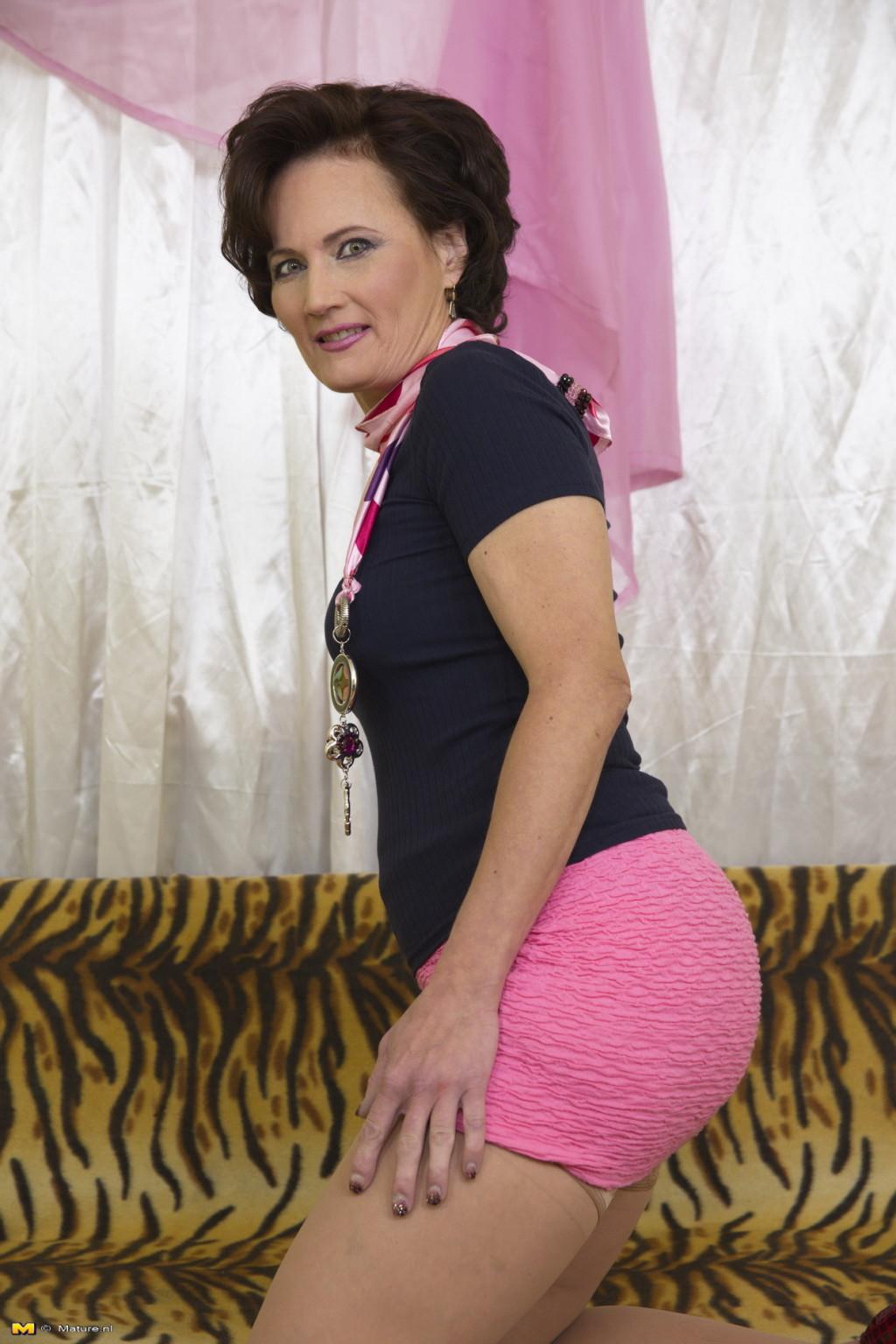 Nl Mature Tube understand upskirt porn pics nl mature thighs final — online