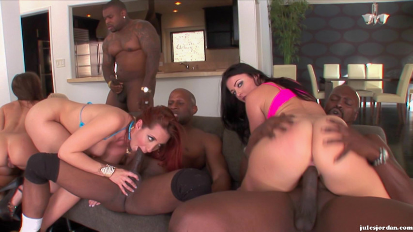 Kelly Divine Interracial Orgie