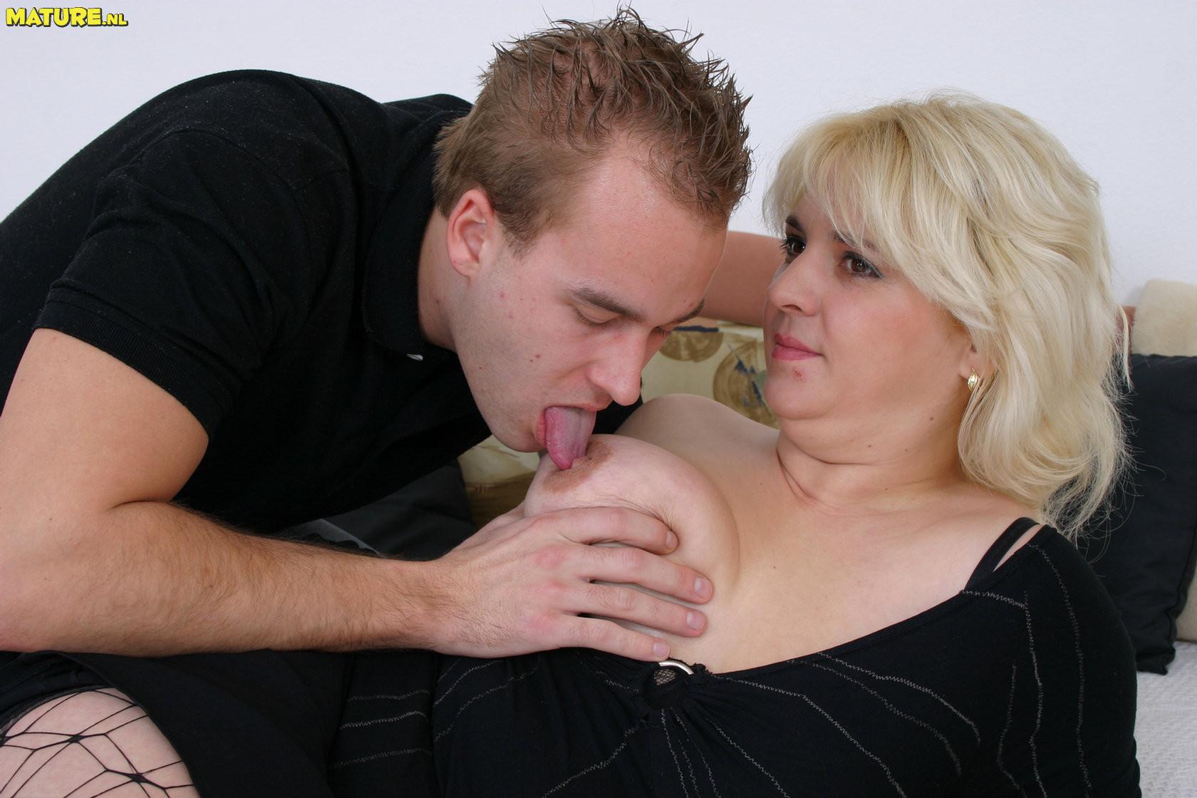 Beautiful brunette sucking dick