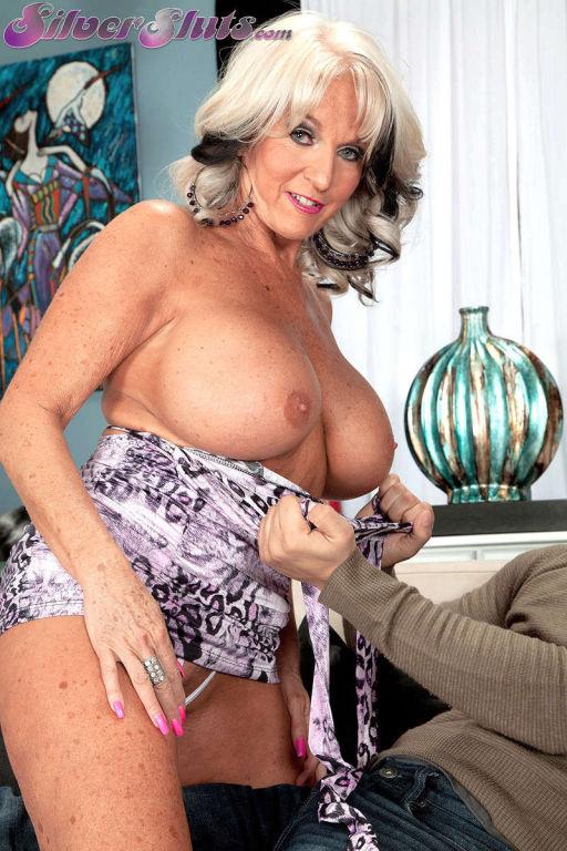 Granny fetish porn