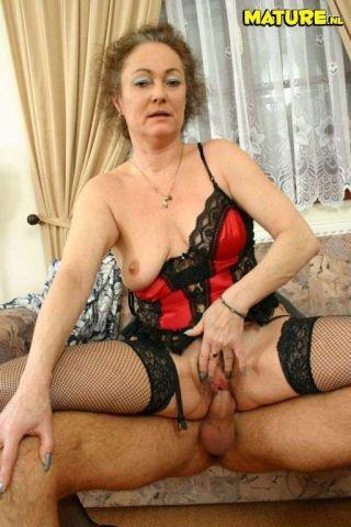 Erotic girl porn pics