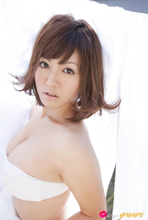 Isoyama nackt Sayaka  Jav Photos