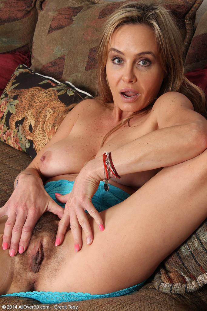 sexy nakt bild von allyson