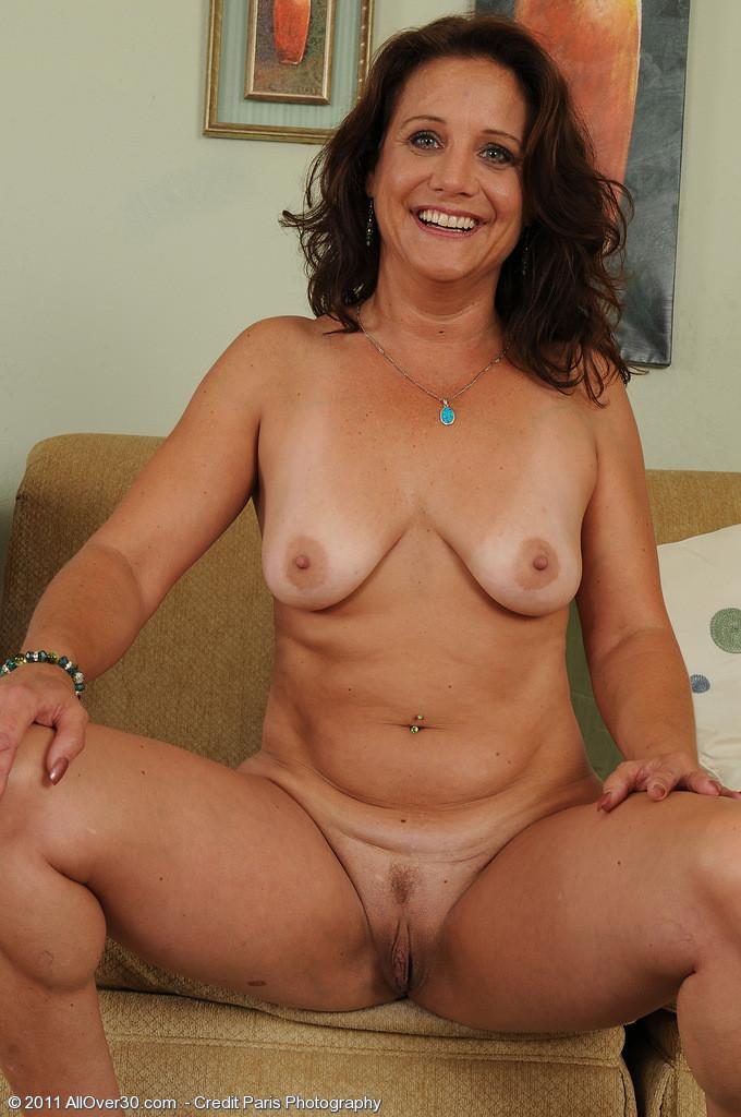 Nude Older Brunettes