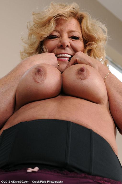 Nude hairy shy girlfriend
