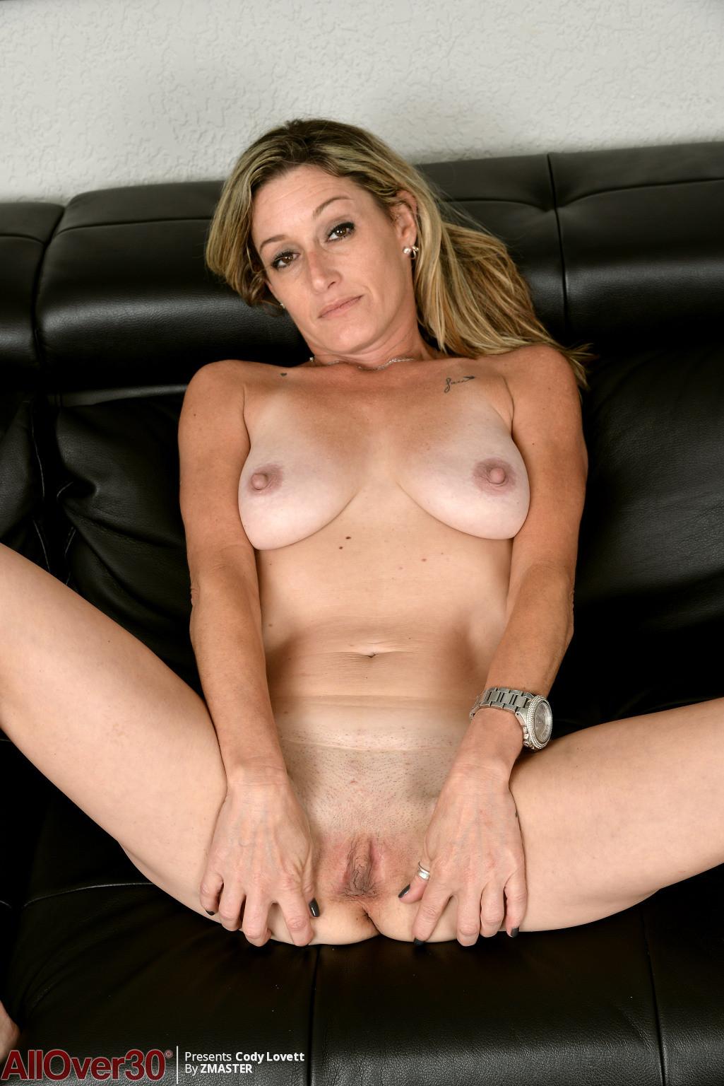 cody amateur chubby milf nude pics