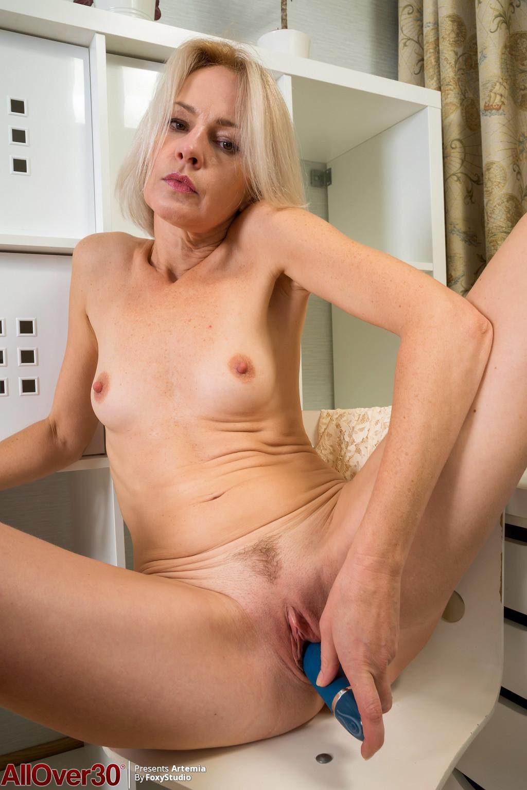 Slender Blonde Nude