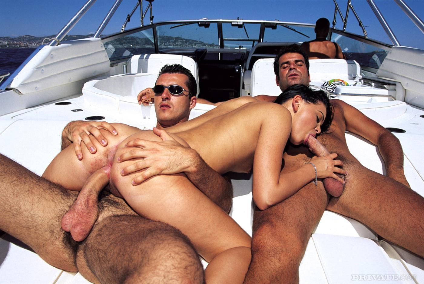 порно оргия на корабле