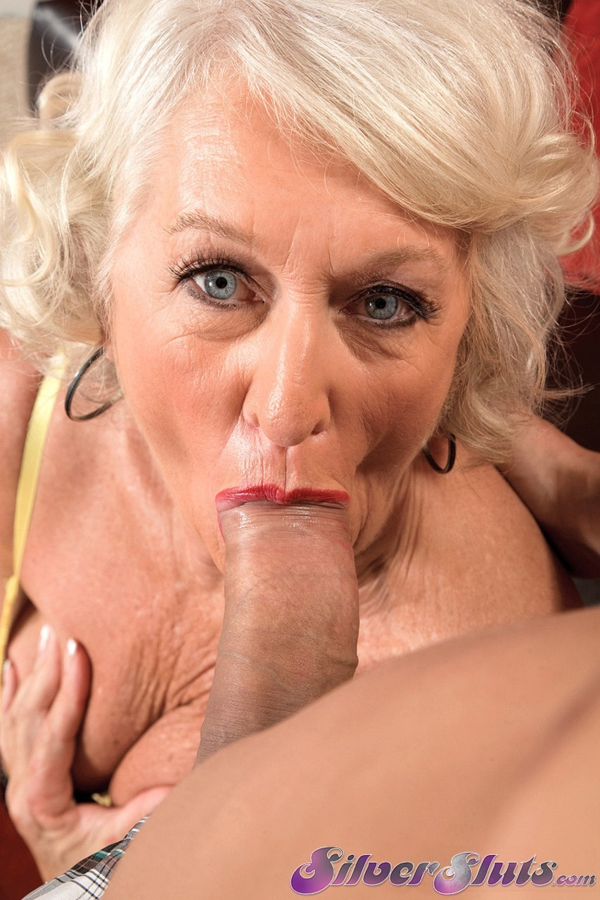 Mature lady bj