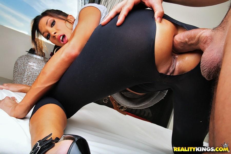 Sexy Poppen Sexmaschine Creampie