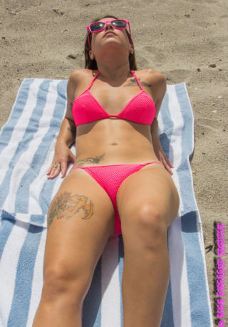 nude Kylie Rose bikini beach