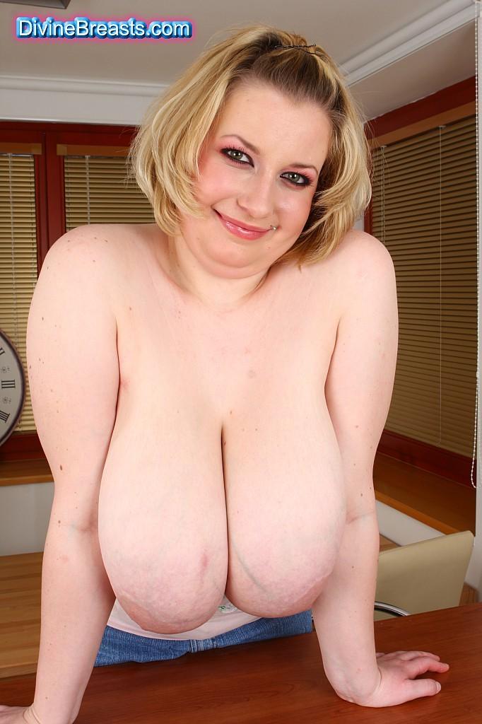 Gloria big tits natural fuck mature Beautiful Model With Big Tits Gloria Sol Posing Naked Outdoors 10 Erotic Art