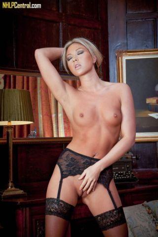 nude Natalia Forrest model leg