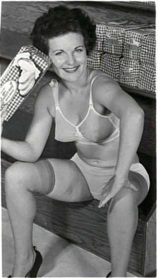 1940 S Porn - 1940s Mature Nude   Niche Top Mature